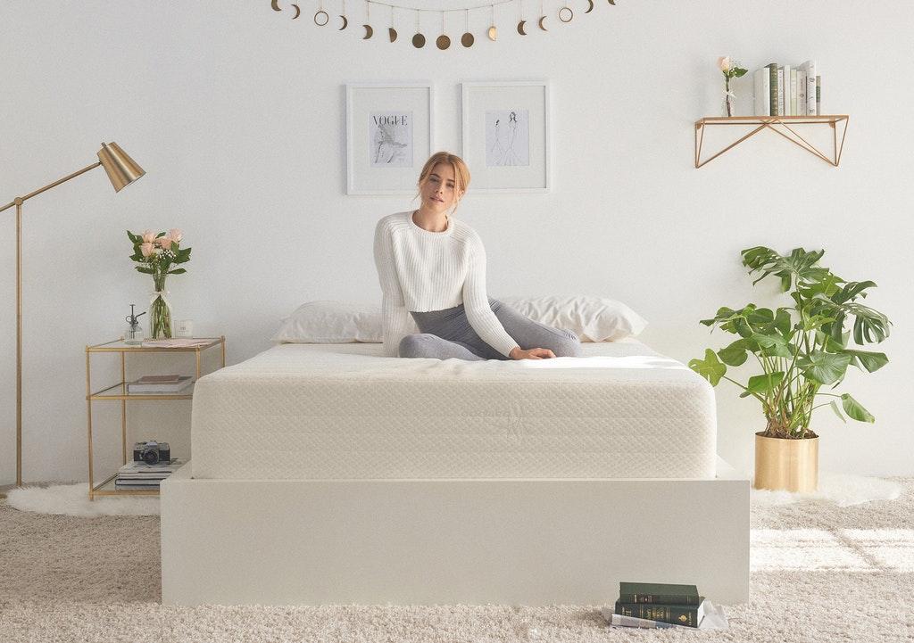 Niagara Sleep Solution Mattress Topper Twin XL 39x78 Inches Quilted Plush Down Alternative Pillow Top Fit Microfiber, Twin XL